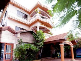 Rithy Rine Angkor Hotel Siem Reap - Front Hotel