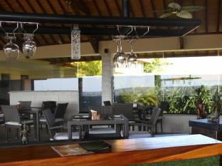 Jimbaran Cliffs Private Hotel & Spa Bali - View from the bar