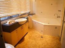 Rayville Boat Houses: bathroom