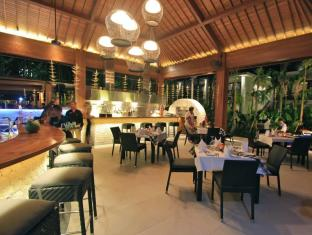 Semara Resort & Spa Seminyak Bali - Georgies Pool bar & Restaurant