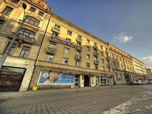 /very-berry-hostel/hotel/poznan-pl.html?asq=5VS4rPxIcpCoBEKGzfKvtBRhyPmehrph%2bgkt1T159fjNrXDlbKdjXCz25qsfVmYT