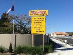 Red Rock Thermal Motel   New Zealand Budget Hotels