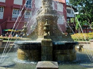 Aldy Hotel Stadhuys Malacca - Stadthuys Victoria Fountain