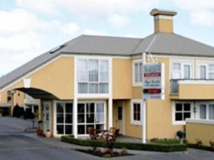 Birchwood Manor Motel