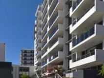 Meriton Serviced Apartments Southport: exterior