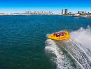 Meriton Serviced Apartments Aqua Street Gold Coast - Gold Coast Jet Boat