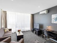 Meriton Serviced Apartments Southport | Cheap Hotels in Gold Coast Australia