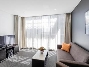Meriton Serviced Apartments Aqua Street Gold Coast - Guest Room