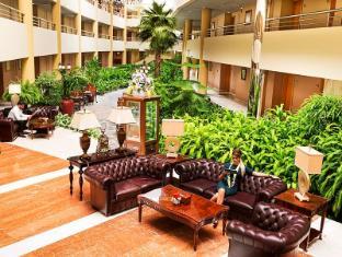 Officers Club & Hotel Abu Dhabi - Exterior