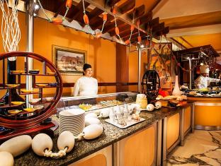 Officers Club & Hotel Abu Dhabi - Restaurant
