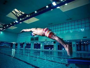 Officers Club & Hotel Abu Dhabi - Swimming Pool