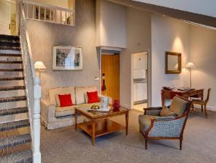 Hotel Bristol Geneva - Guest Room