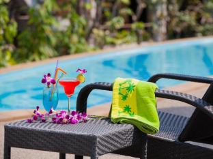 The Bliss Suite Phuket - Swimming Pool