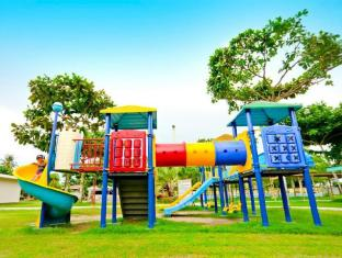 Camp Holiday Resort & Recreation Area Davao City - ملعب