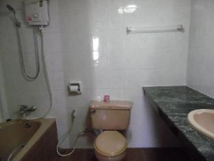 Anou Paradise Hotel Vientiane - Suite Bathroom
