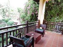 Villa Ban Lao Hotel: balcony/terrace