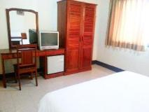 Sisavath Hotel: guest room