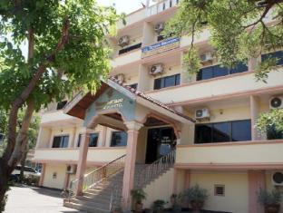 Sisavath Hotel