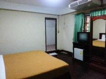 Souvanna Hotel: guest room