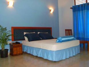 Rani Beach Resort Negombo - Deluxe Room