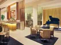 The Oberoi Hotel Gurgaon: pub/lounge
