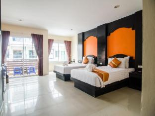 FunDee Boutique Hotel Patong Пхукет - Вітальня
