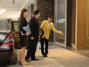 Fairlane Hospitality @ myHabitat2 Serviced Apartment Kuala Lumpur - Entrance