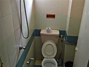 Pondok Lodge Kuala Lumpur - Shared bathroom