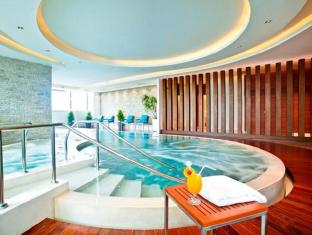 Jasmine Resort Hotel Bangkok - Swimming Pool
