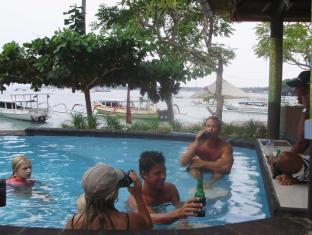 Tamarind Beach Bungalows Bali - Sunken Pool Bar
