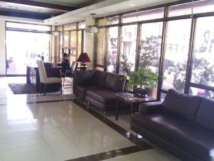 Blue Velvet Hotel & Cafe Davao City - مكتب إستقبال