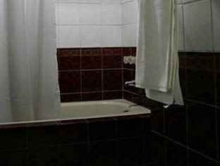 Oroderm Beauty Hotel Davao City - חדר אמבטיה