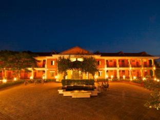 /buddha-maya-hotel/hotel/lumbini-np.html?asq=vrkGgIUsL%2bbahMd1T3QaFc8vtOD6pz9C2Mlrix6aGww%3d