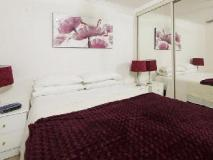 Burleigh Palms Holiday Apartments: guest room