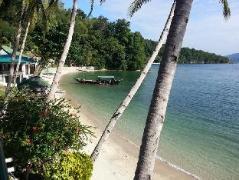 Hotel in Philippines Puerto Galera   Encenada Beach Resort
