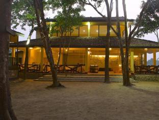 Maruni Sanctuary Lodge Chitwan - Executive Lounge