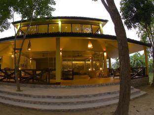 Maruni Sanctuary Lodge Chitwan - Tharu House