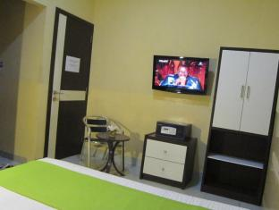 Wisma Sederhana Budget Hotel Medan - Gastenkamer