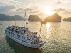 Paradise Luxury Cruise | Halong Budget Hotels