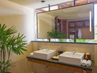 Komaneka at Rasa Sayang Ubud Hotel Bali - Bathroom