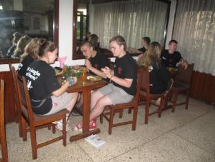 Kathmandu Madhuban Guest House Kathmandu - Restaurant