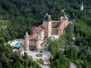 The Chateau Spa & Organic Wellness Resort Bentong - French Castle La Chateau