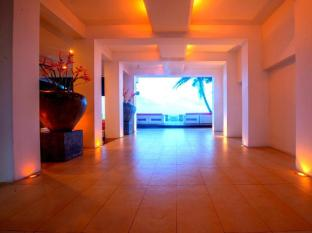 Cantaloupe Aqua Beach Club Hotel Unawatuna - Entrance area
