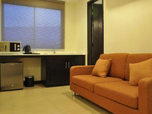 O Hotel Bacolod (Negros Occidental) - Natalia Suite Living Area