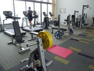 Northpoint Private Residence Club Pattaya - Fitness room at sky garden