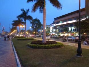 Khmeroyal Hotel Phnom Penh - Surroundings