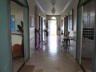 Linaw Beach Resort and Restaurant Bohol - notranjost hotela