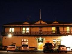 Customhouse Hotel & Backpackers | New Zealand Budget Hotels