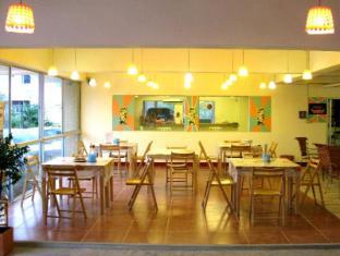 Casa Narinya Hotel at Suvarnabhumi Airport Bangkok - Restaurant