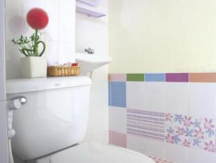 Casa Narinya Hotel at Suvarnabhumi Airport Bangkok - Bathroom
